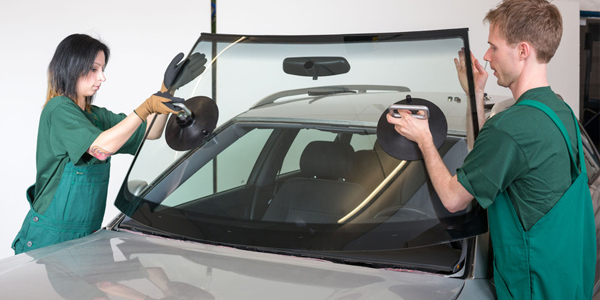 Check out the Advantages of auto glass repair
