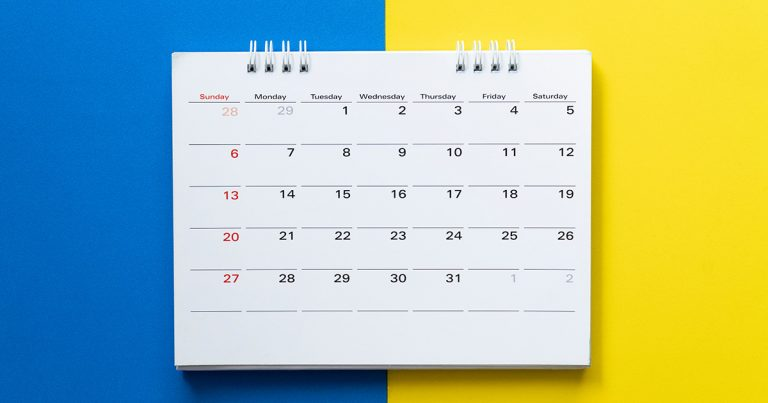 Decorate Your Wall UsingThe Beneficial Calendar With Desired Picture